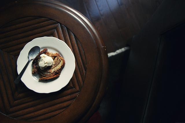 cinnamon toast with vanilla ice cream