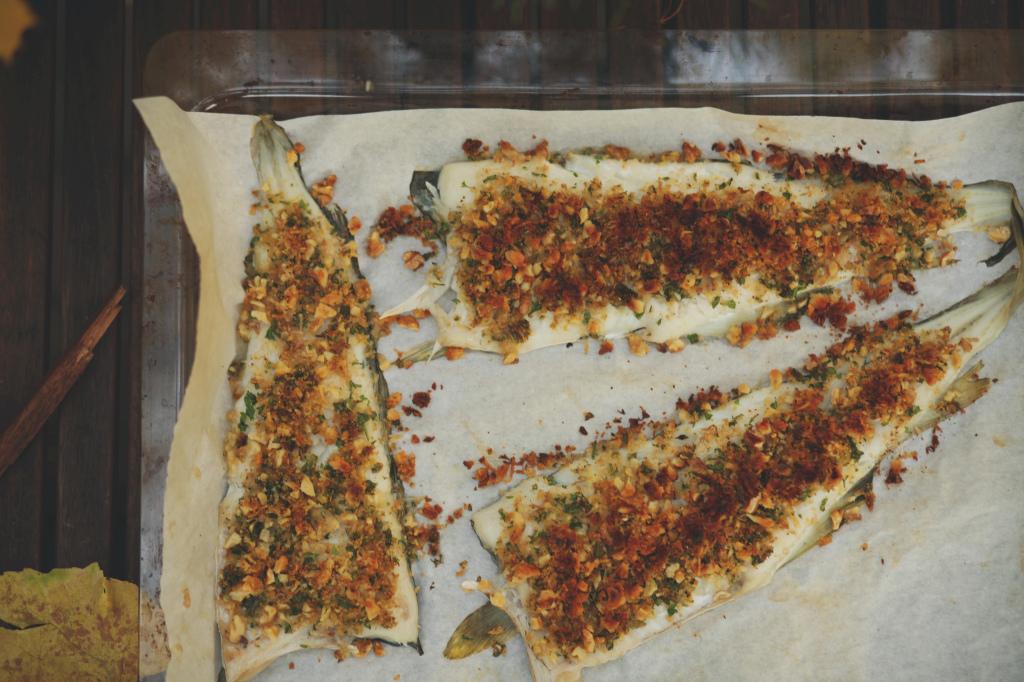 filet z dorsza pieczony pod orzechową kruszonką
