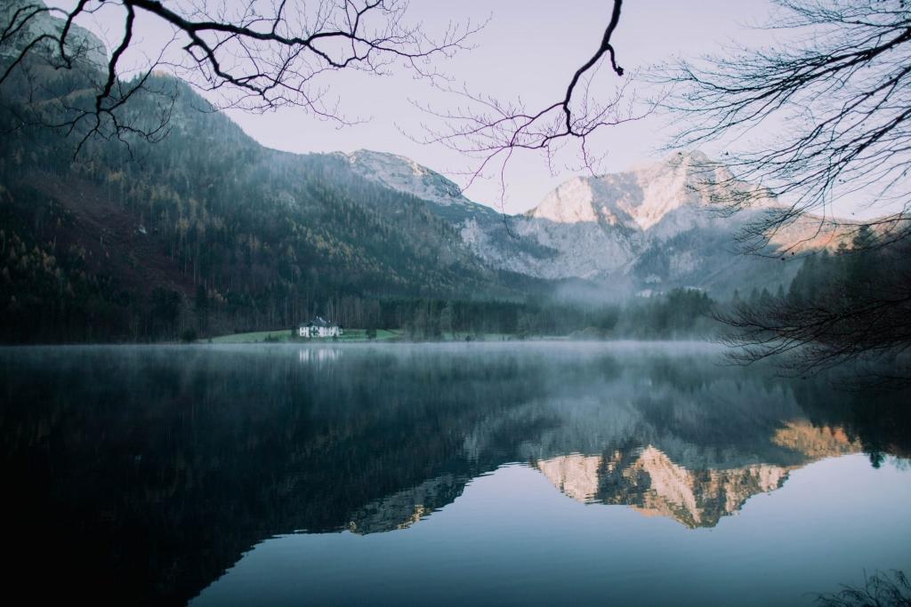 Alpejskie jezioro Langbathsee